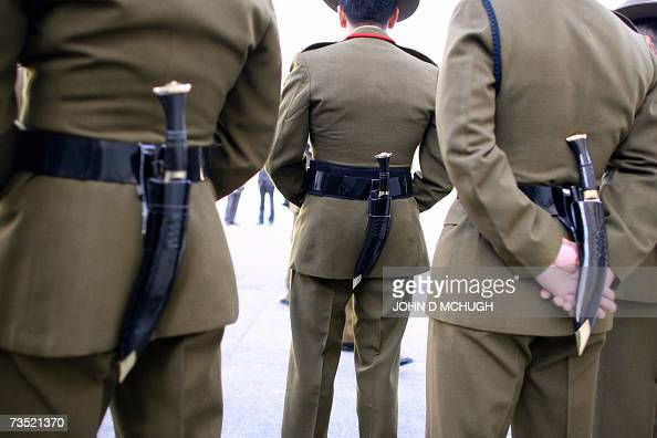 Gurkha stock photos and pictures getty images for Stand traditionnel