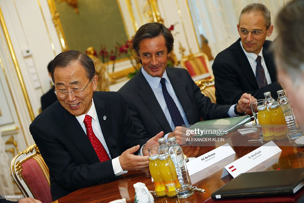 United Nation Secretary General Ban Ki-moon (L) attends a meeting with the Austrian president (not in picture) as part of his visit to Vienna on November 26, 2012.