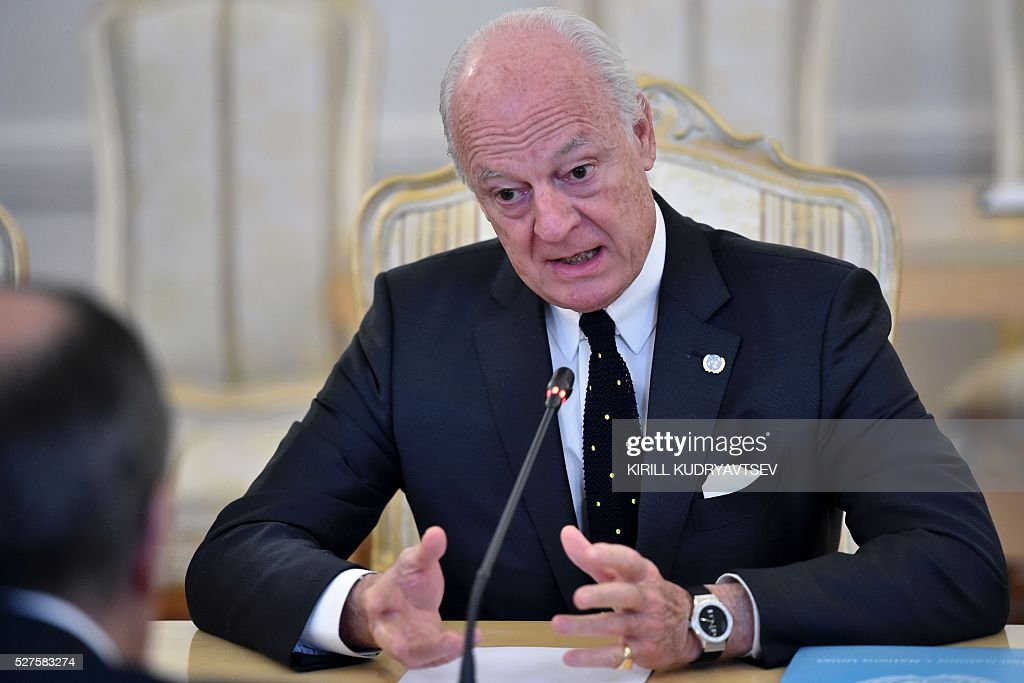 United Nations envoy for Syria Staffan de Mistura speaks during his meeting with Russian Foreign Minister in Moscow on May 3, 2016. UN envoy Staffan de Mistura said on May 3 a faltering truce in Syria must be 'brought back on track' as he held talks in Moscow with Russian Foreign Minister Sergei Lavrov on ending a fresh upsurge in fighting. / AFP / KIRILL