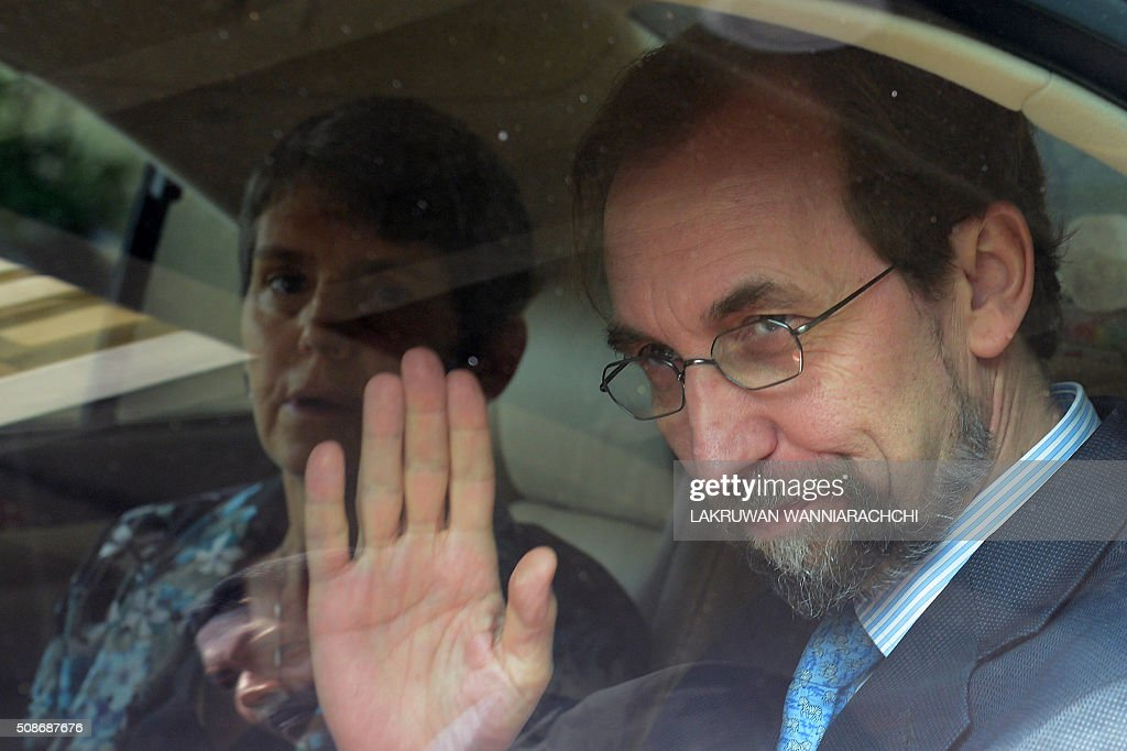 United Nations High Commissioner for Human Rights Zeid Ra'ad Al Hussein (R) arrives in Colombo on February 6, 2016. The United Nations' human rights chief Zeid Ra'ad Al Hussein began his first visit to Sri Lanka Saturday to gauge the island's progress in investigating allegations troops committed atrocities during a prolonged civil war. AFP PHOTO / LAKRUWAN WANNIARACHCHI / AFP / LAKRUWAN WANNIARACHCHI