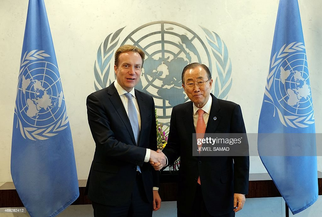United Nations Secretary General Ban Ki-moon (R) greets Norway's Foreign Minister Borge Brende before a meeting at the UN headquarters in New York on April 1, 2015.