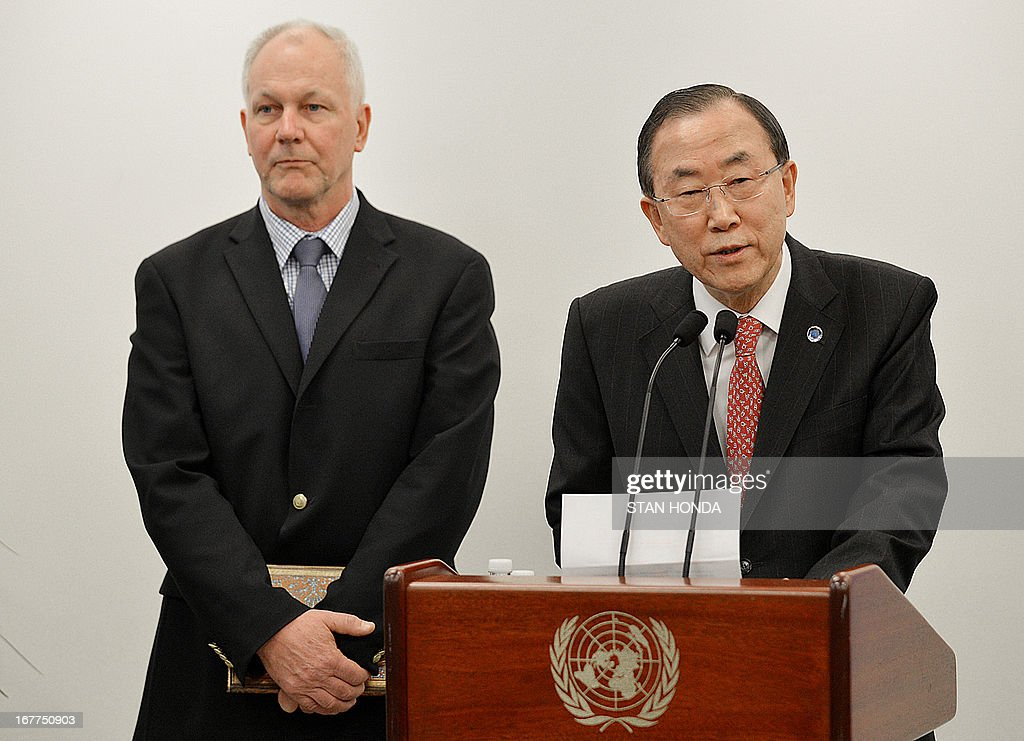 United Nations Secretary General Ban Ki-Moon (R) speaks to the media with Åke Sellström (L), the head of the UN chemical weapons investigation team, before their meeting April 29, 2013 at UN headquarters in New York. Ban has been urging Syria to give UN experts 'immediate and unfettered access' to investigate serious allegations of chemical weapons use. AFP PHOTO/Stan HONDA