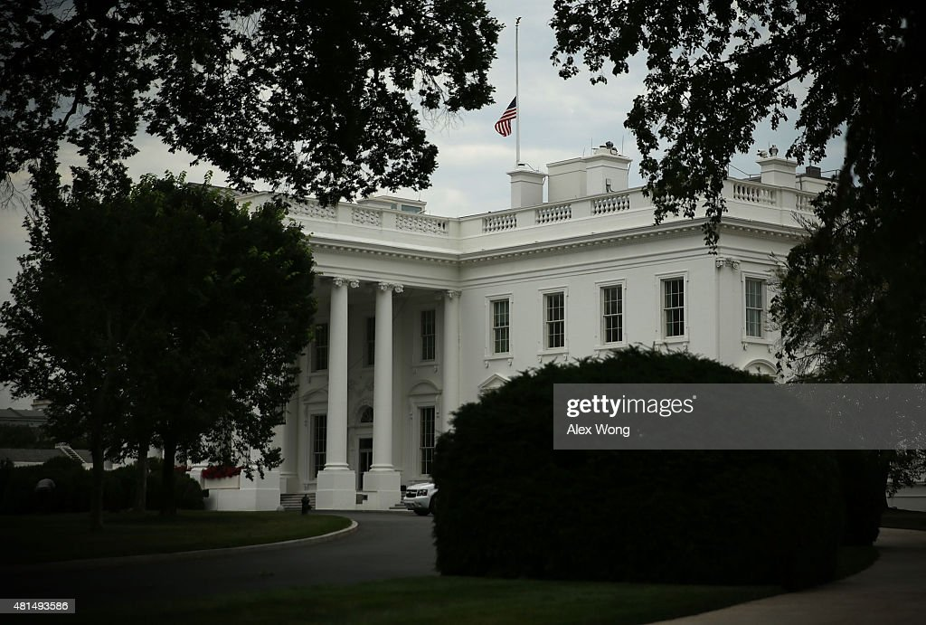 White House (TN) United States  city photos : White House And US Capitol Flags At Half Staff In Honor Of Chattanooga ...