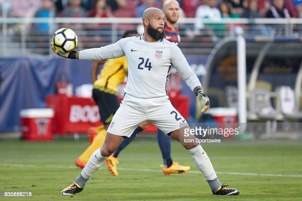 United States goalkeeper Tim Howard throws the ball during the CONCACAF Gold Cup Final match between the United States v Jamaica at Levi's Stadium on...