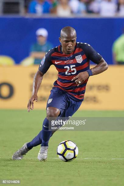 United States midfielder Darlington Nagbe dribbles the ball during a CONCACAF Gold Cup Quarterfinal match between the United States v El Salvador at...