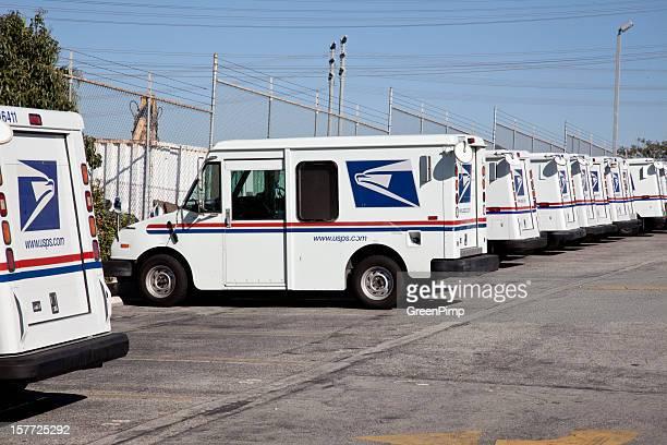 Uniti posta i camion di consegna Ufficio postale