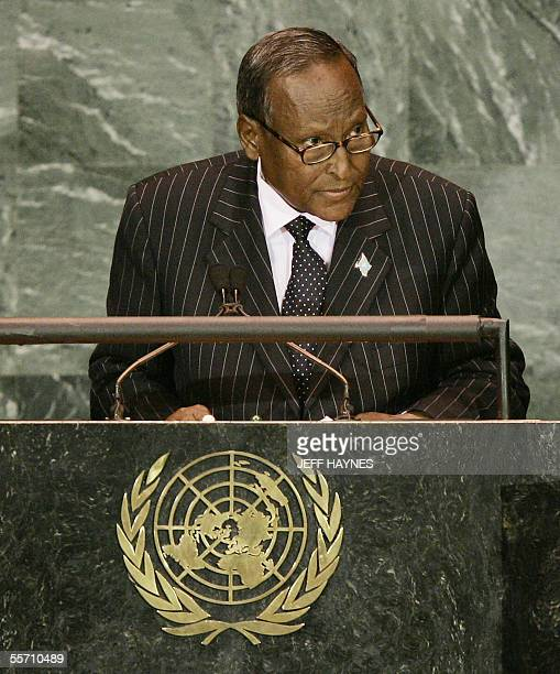 President Abdullahi Yusuf Ahmed of Somalia addresses the 60th session of the General Assembly 17 September 2005 at the United Nations AFP PHOTO/JEFF...
