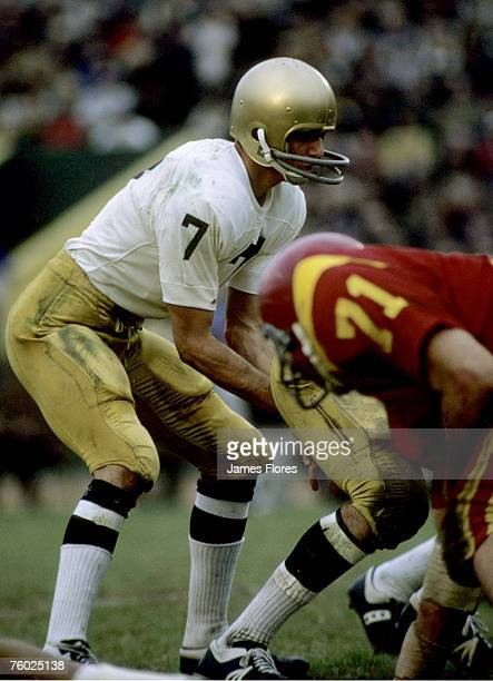 Univeristy of Notre Dame Fighting Irish quarterback Joe Theismann in a 21 to 21tie with the Univeristy of Southern California Trojans at the Los...