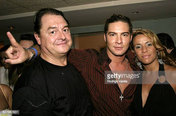 Universal Music President John Echevarria David Bisbal and a Fan