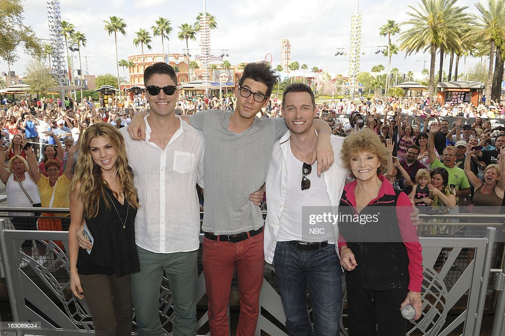 LIVES -- 'Universal Orlando Resort Fan Event' -- Pictured: (l-r) Kate Mansi, <a gi-track='captionPersonalityLinkClicked' href=/galleries/search?phrase=James+Scott+-+Actor&family=editorial&specificpeople=594221 ng-click='$event.stopPropagation()'>James Scott</a>, Casey Jon Deidrick, <a gi-track='captionPersonalityLinkClicked' href=/galleries/search?phrase=Eric+Martsolf&family=editorial&specificpeople=675242 ng-click='$event.stopPropagation()'>Eric Martsolf</a>, <a gi-track='captionPersonalityLinkClicked' href=/galleries/search?phrase=Peggy+McCay&family=editorial&specificpeople=663738 ng-click='$event.stopPropagation()'>Peggy McCay</a> --