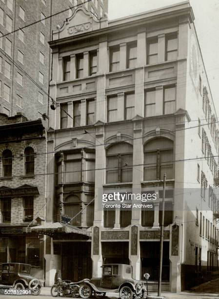 University Club secure option Above is a photograph of the defunct city club located at 9 Adelaide street east upon which an option has been secured...