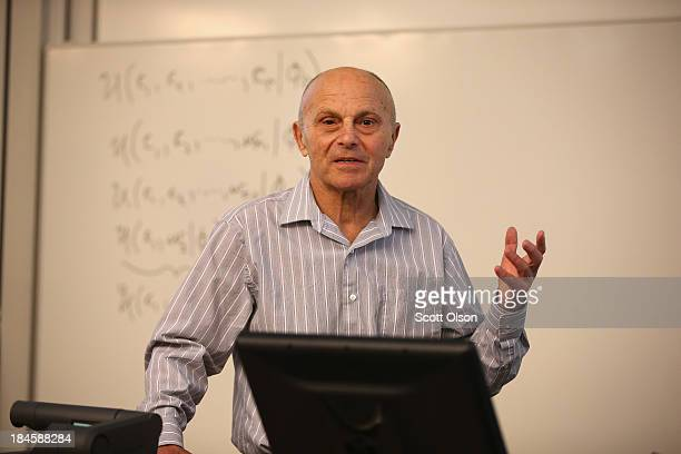 University of Chicago professor Eugene Fama speaks to students in his classroom at the university on October 14 2013 in Chicago Illinois Earlier in...