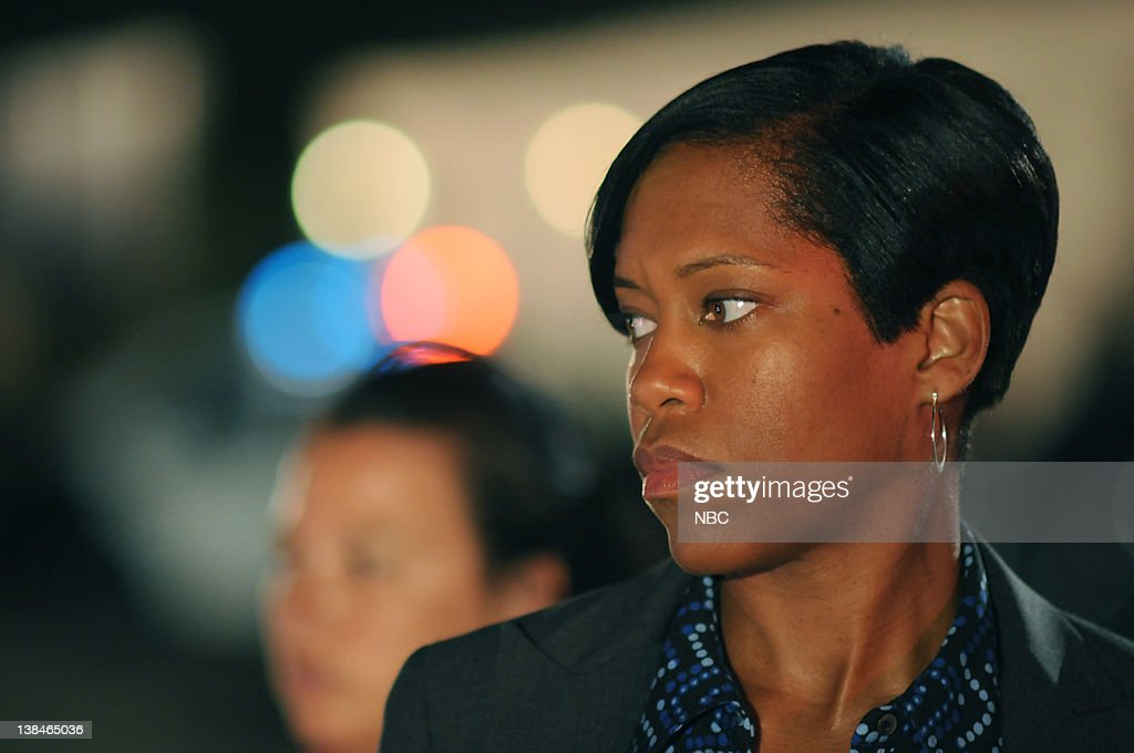 SOUTHLAND 'Unknown Trouble' Pilot Airdate Pictured Regina King as Lydia Adams