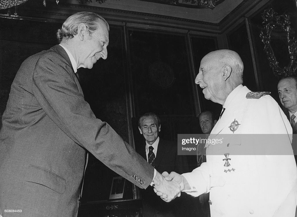 UN-Secretary-General Waldheim meets Generalisimo <a gi-track='captionPersonalityLinkClicked' href=/galleries/search?phrase=Francisco+Franco&family=editorial&specificpeople=190209 ng-click='$event.stopPropagation()'>Francisco Franco</a> at El Pardo during his state visit. Madrid. 12th June 1975. Photograph.