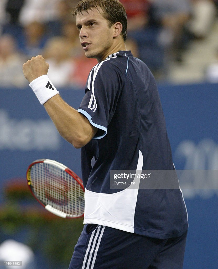 Unseeded <a gi-track='captionPersonalityLinkClicked' href=/galleries/search?phrase=Gilles+Muller&family=editorial&specificpeople=224381 ng-click='$event.stopPropagation()'>Gilles Muller</a>, (LUX) upsets 4th seed <a gi-track='captionPersonalityLinkClicked' href=/galleries/search?phrase=Andy+Roddick&family=editorial&specificpeople=167084 ng-click='$event.stopPropagation()'>Andy Roddick</a> 7-6 (4), 7-6 (8), 7-6 (1) in the first round of the 2005 US Open at the National Tennis Center, in Flushing New York on August 30, 2005.