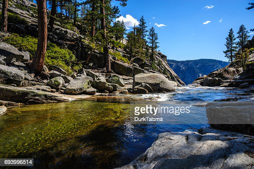 Upper Yosemite Falls: le fleuve juste avant de plonger vers le bas... : Photo