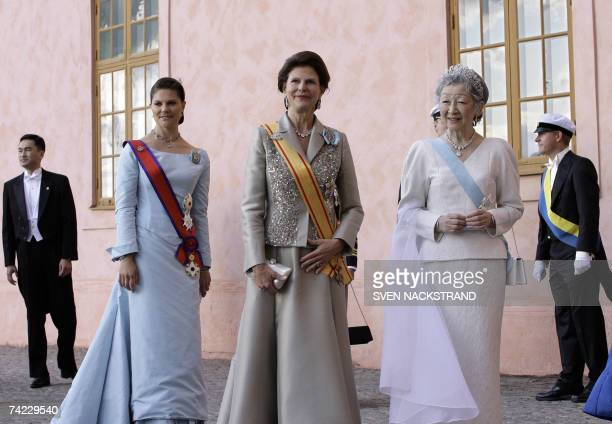Japanese Empress Michiko Swedish Queen Silvia and Crown Princess Victoria pose for pictures as they attend a festive dinner att the Uppsala Castle 23...