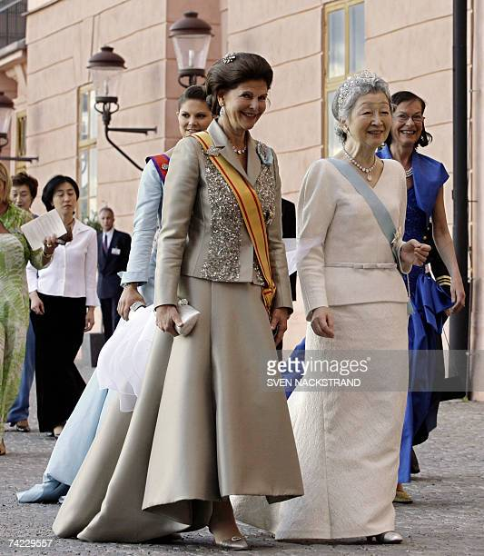 Japanese Empress Michiko Swedish Queen Silvia and Crown Princess Victoria walk to attend a festive dinner at the Uppsala Castle 23 May 2007 during...