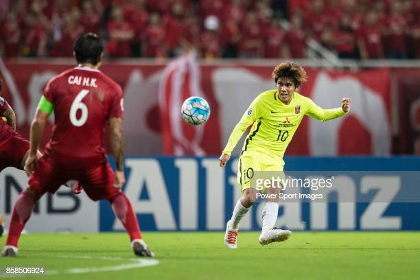 Urawa Reds Midfielder Kashiwagi Yosuke looks to bring the ball down during the AFC Champions League 2017 SemiFinals match between Shanghai SIPG FC...