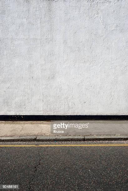 都会の背景英国壁に歩道