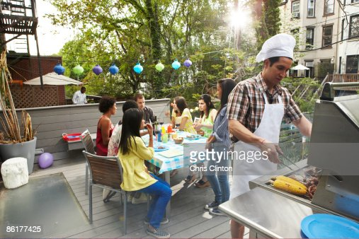 barbecue jardin photos et images de collection getty images