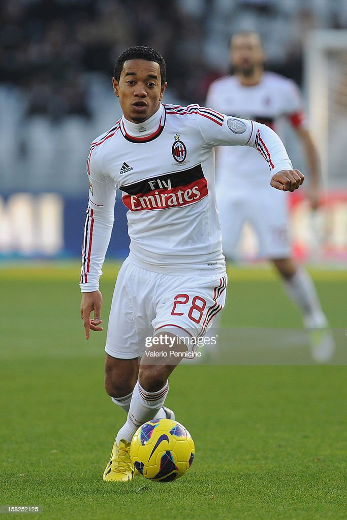 Urby Emanuelson of AC Milan in action during the Serie A match between Torino FC and AC Milan at Stadio Olimpico di Torino on December 9, 2012 in Turin, Italy.