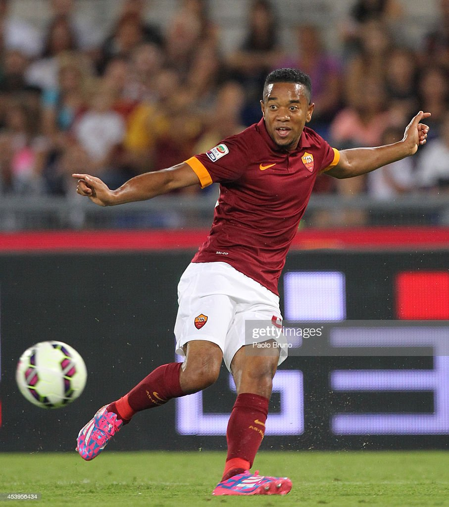 Urby Emanuelson of AS Roma in action during the preseason friendly match between AS Roma and Fenerbache SK at Stadio Olimpico on August 19 2014 in...