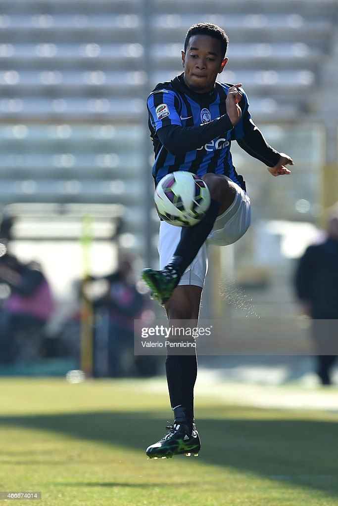 Urby Emanuelson of Atalanta BC controls the ball during the Serie A match between Parma FC and Atalanta BC at Stadio Ennio Tardini on March 8 2015 in...