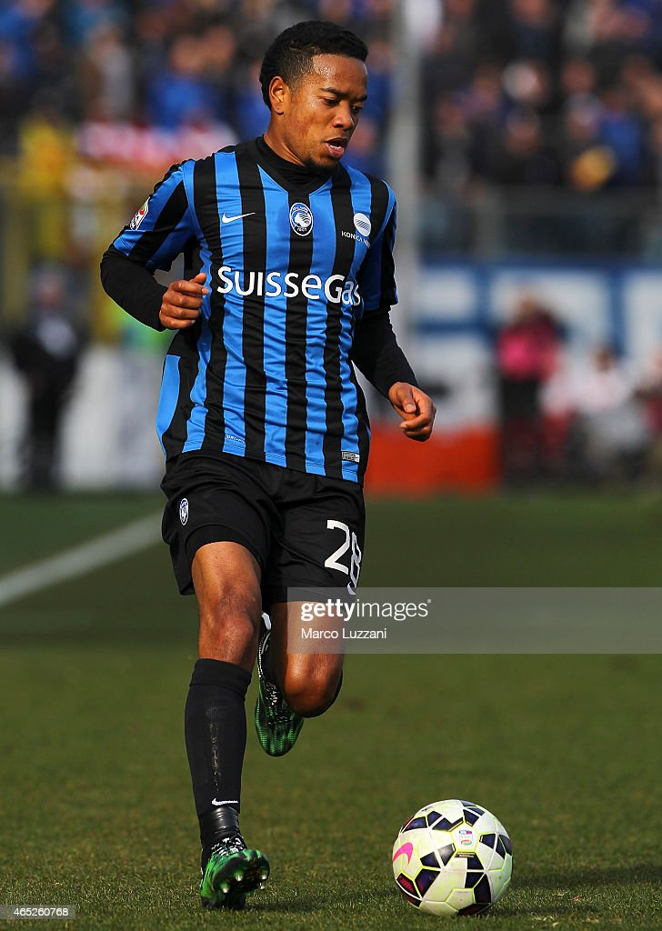 <a gi-track='captionPersonalityLinkClicked' href=/galleries/search?phrase=Urby+Emanuelson&family=editorial&specificpeople=594399 ng-click='$event.stopPropagation()'>Urby Emanuelson</a> of Atalanta BC in action during the Serie A match between Atalanta BC and UC Sampdoria at Stadio Atleti Azzurri d'Italia on March 1, 2015 in Bergamo, Italy.