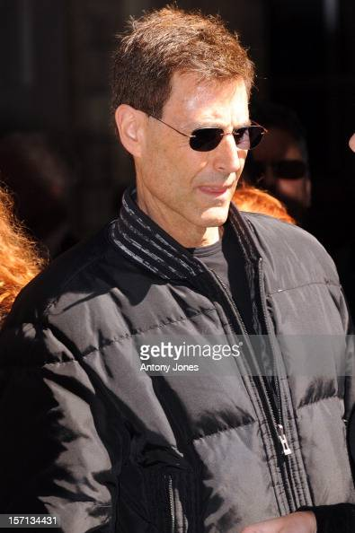 http://media.gettyimages.com/photos/uri-geller-attends-the-funeral-of-sir-clement-freud-at-st-brides-in-picture-id157134431?s=594x594