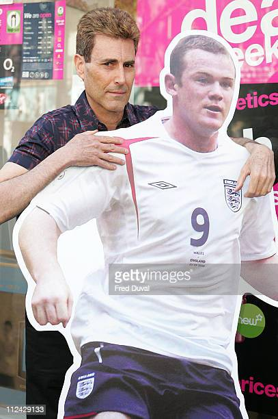 Uri Geller Uri is using a cardboard likeness of Wayne Rooney while directing his positive energy through psychometry to try to heal the footballer's...
