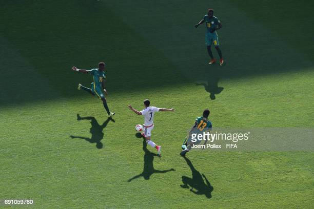 Uriel Antuna of Mexico and Ibrahima Niane and Alioune Gueye of Senegal compete for the ball during the FIFA U20 World Cup Korea Republic 2017 Round...