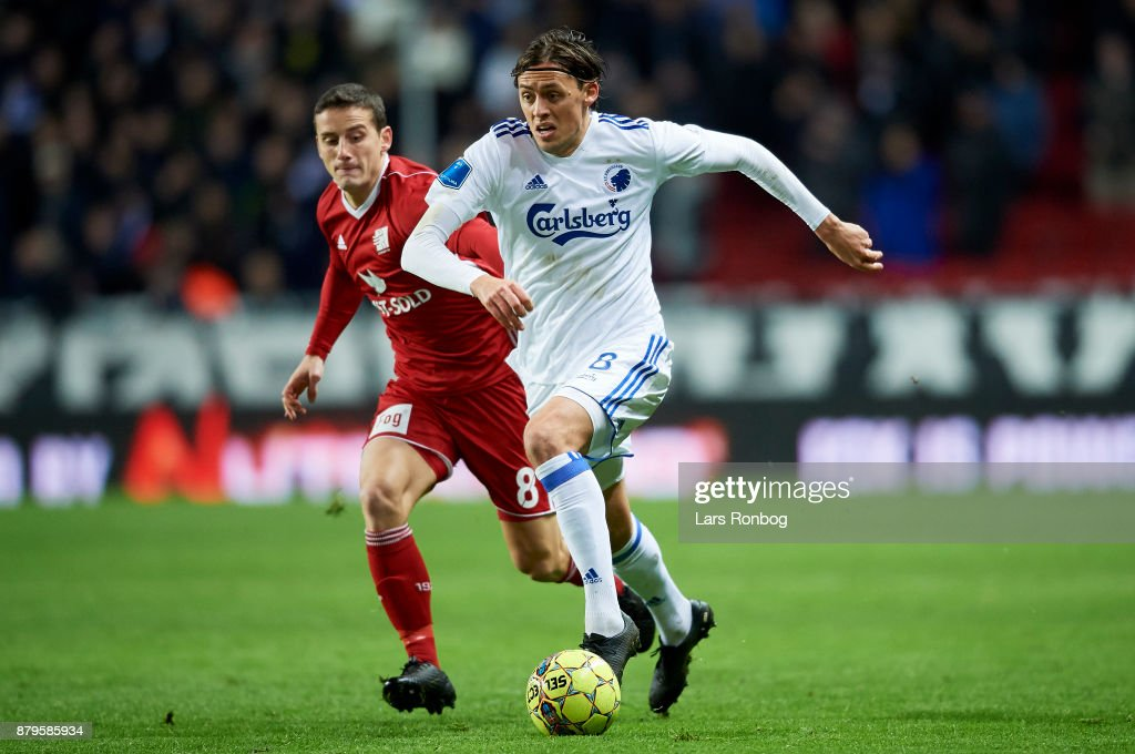 Uroš dribbles the ball; photo: Lars Ronbog/gettyimages