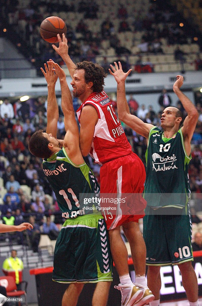 Olympiacos v Unicaja - Turkish Airlines Euroleague
