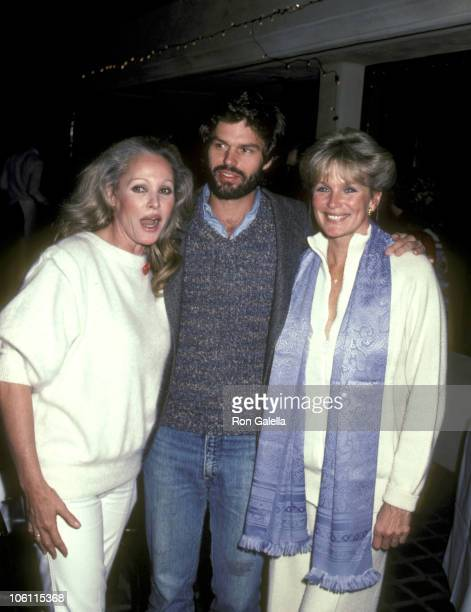Ursula Andress Harry Hamlin and Linda Evans during Opening of George Santo Pietro's New Restaurant 'Santo Pietro's Pizza' at Santo Pietro's Pizza in...
