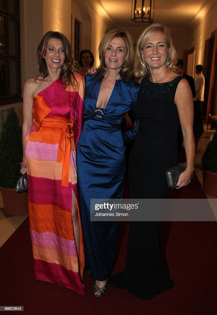 Ursula Karven, Mon Muellerschoen and Judith Milberg arrive for the Hubert Burda Birthday Reception at Munich royal palace on February 12, 2010 in Munich, Germany.