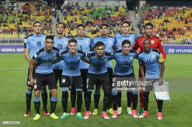 Uruguay players pose for a team photo prior to the FIFA U20 World Cup Korea Republic 2017 group D match between Italy and Uruguay at Suwon World Cup...