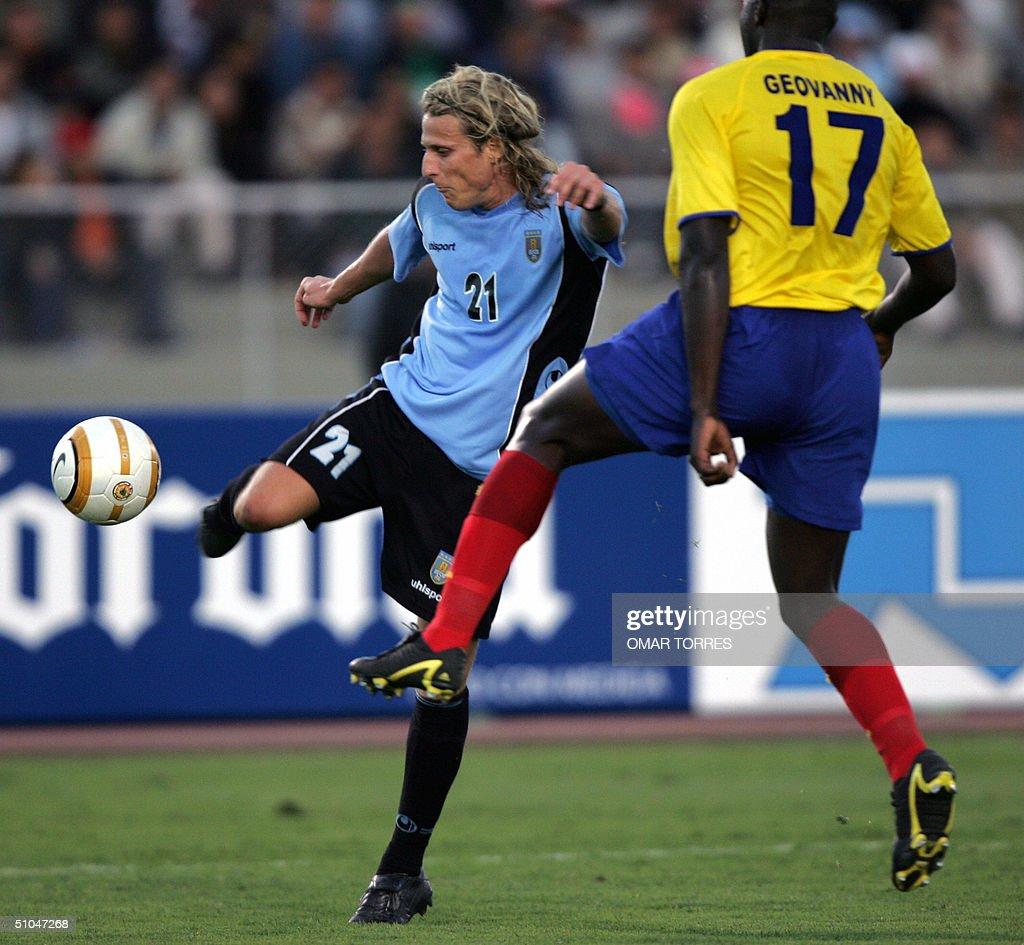 Copa 2004 Uruguay v Ecuador s and