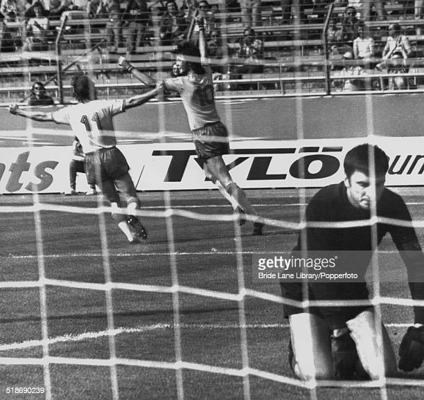 Uruguayan goalkeeper Ladislao Mazurkiewicz on his knees after Roland Sandberg scored Sweden's second goal in the 74th minute of a World Cup Group 3...