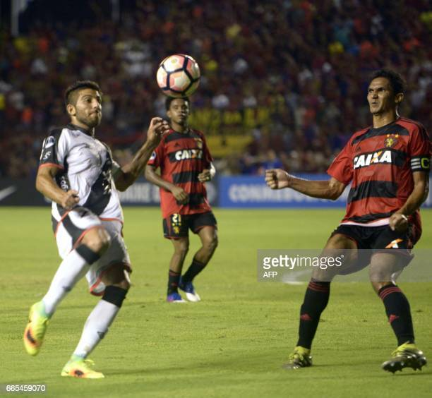Uruguay's Danubio player Joaquin Ardaiz vies for the ball with Brazil's Sport Recife player Durval during their Copa Sudamericana 2017 football match...