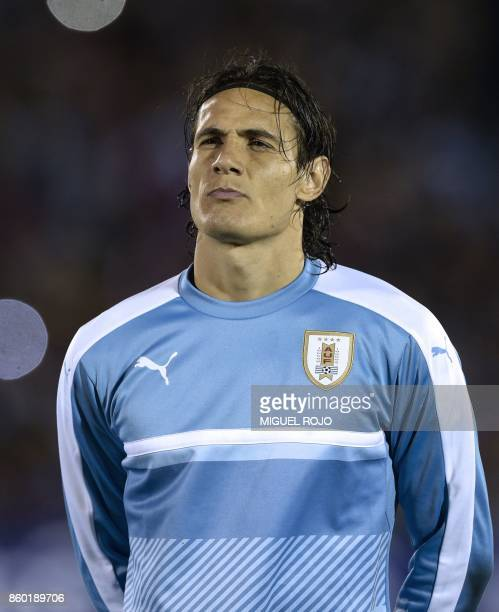 Uruguay's Edinson Cavani poses before the 2018 World Cup football qualifier match against Bolivia in Montevideo on October 10 2017 / AFP PHOTO /...