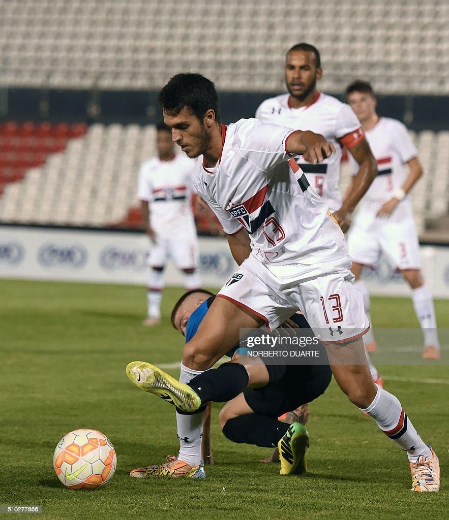 Lucas Soccer Player: Uruguay's Liverpool Player Juan Ramires Vies For The Ball