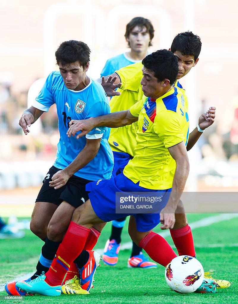 Uruguay's midfielder Giorgian De Arrascaeta Benedetti vies for the ball with Ecuador's midfielder Jacob Murillo during their South American U-20 final round football match at Malvinas Argentinas stadium in Mendoza, Argentina, on February 3, 2013. Four teams will qualify for the FIFA U-20 World Cup Turkey 2013.