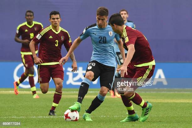 Uruguay's midfielder Rodrigo Bentancur controls the ball during the U20 World Cup semifinal football match between Uruguay and Venezuela in Daejeon...