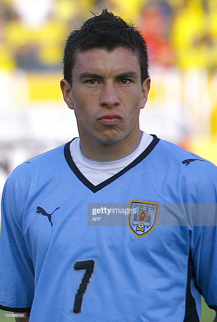 Uruguay's national football team player Jorge Rodriguez stands during the official picture before their FIFA World Cup South Africa-2010 qualifier football match against Ecuador, at Atahualpa Stadium in Quito, Ecuador on October 10, 2009.