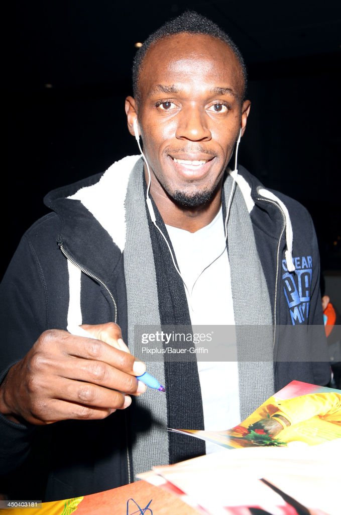 <a gi-track='captionPersonalityLinkClicked' href=/galleries/search?phrase=Usain+Bolt&family=editorial&specificpeople=604196 ng-click='$event.stopPropagation()'>Usain Bolt</a> is seen on November 17, 2013 in Los Angeles, California.