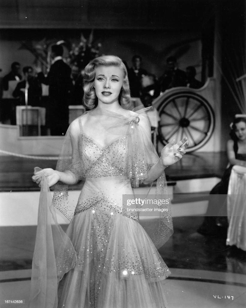 US-american actress and dancer Ginger Rogers. About 1935. Photograph. (Photo by Imagno/Getty Images) Die US-amerikanische Schauspielerin und Tänzerin Ginger Rogers. Um 1935. Photographie.