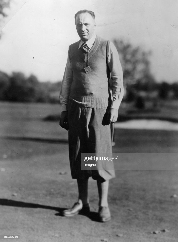 US-american professional golfer Walter Hagen. About 1935. Photograph. (Photo by Imagno/Getty Images) Der US-amerikanische Profigolfer Walter Hagen. Um 1935. Photographie.