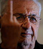 USCanadian architect Frank Gehry gestures during a press conference at the Reconquista Hotel in Oviedo on October 23 2014 on the eve of the Prince of...