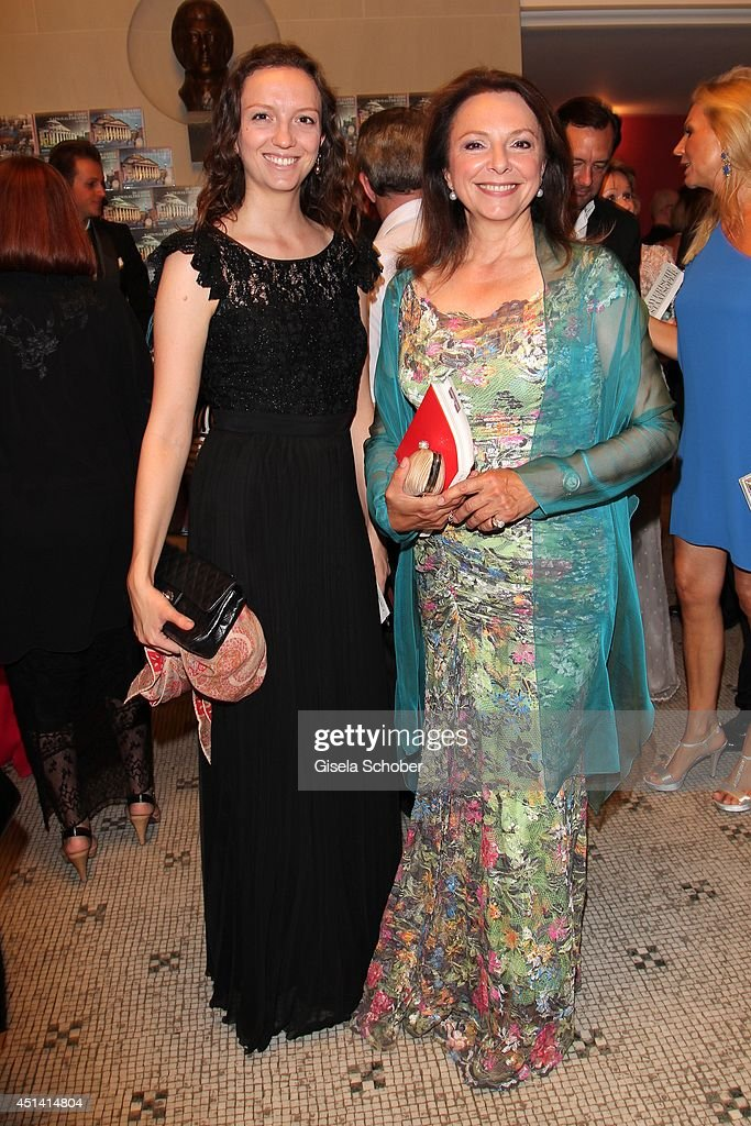 Uschi Daemmrich von Luttitz and her daughter Stefanie attend the 'Guillaume Tell' Opera Premiere at the Opera Festival Opening In Munich on June 28, 2014 in Munich, Germany.